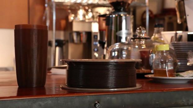 Wound up to filament stworzony na bazie kawowych fusów
