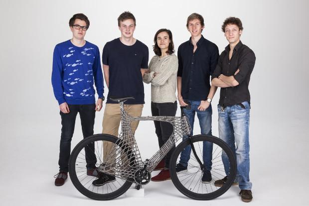 Les cinq étudiants à l'origine du projet