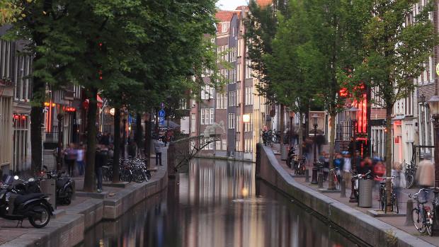 Le pont verra le jour dans le centre historique d'Amsterdam