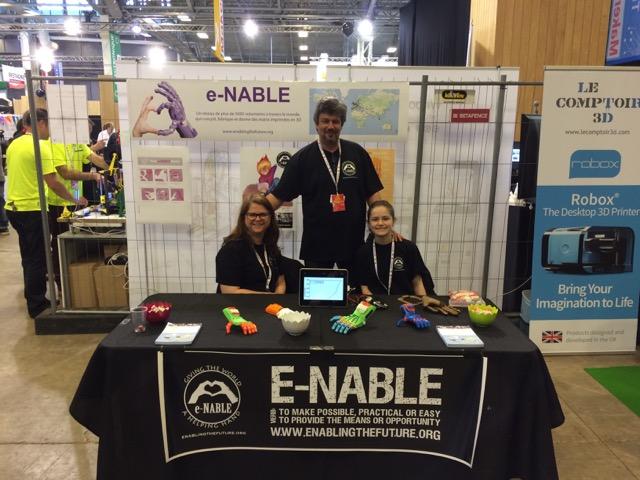 Thierry Quidamn (au centre) et son équipe lors de la Maker Faire Paris