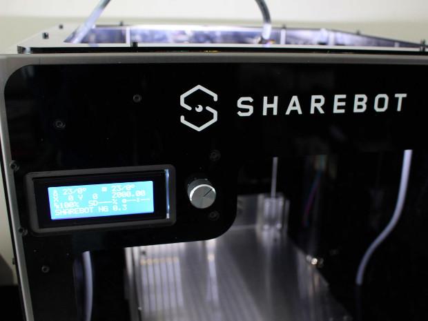 L'écran LCD, réel tableau de bord de la ShareBot NG