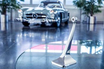 Renishaw und Mercedes-Benz ClassicPartner zeigen Möglichkeiten der additiven Fertigung für Oldtimer Ersatzteile