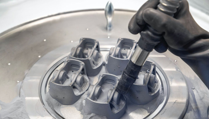 Porsche 3D printing pistons