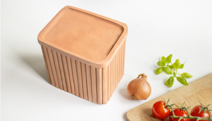 3D printed clay containers