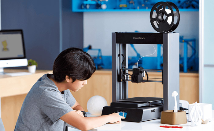 BuildBee - Commercial 3D Printing