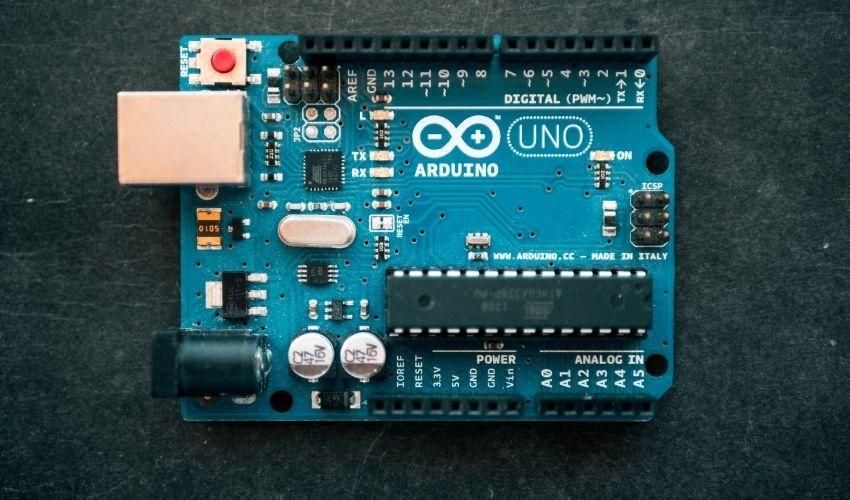 Todo lo que necesitas saber para iniciarte en Arduino