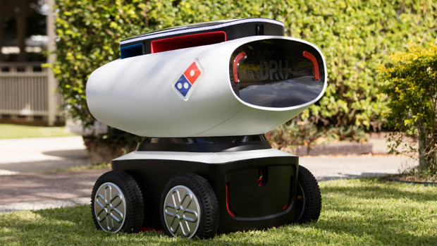 Hace unos meses la marca Domino's introdujo robots terrestres para sus entregas a domicilio.
