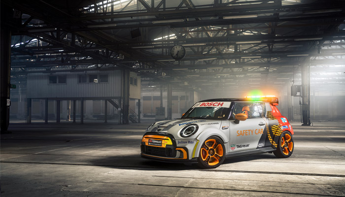 The MINI Electric Pacesetter Safety Car (photo credits: BMW Group)
