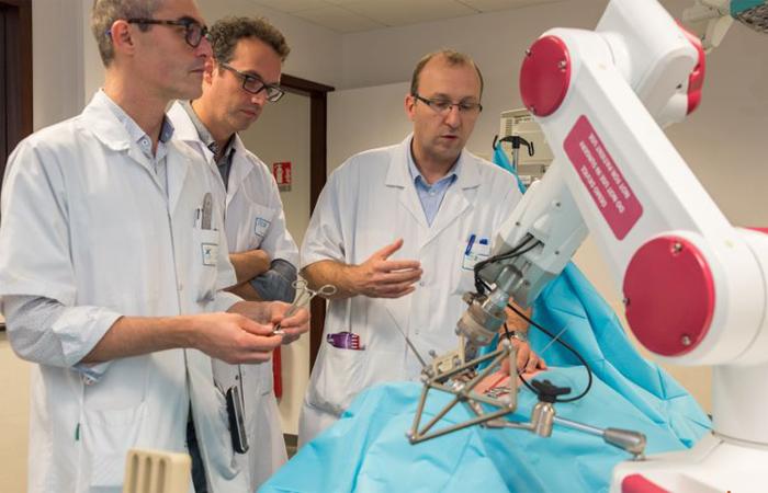 impression 3D en chirurgien