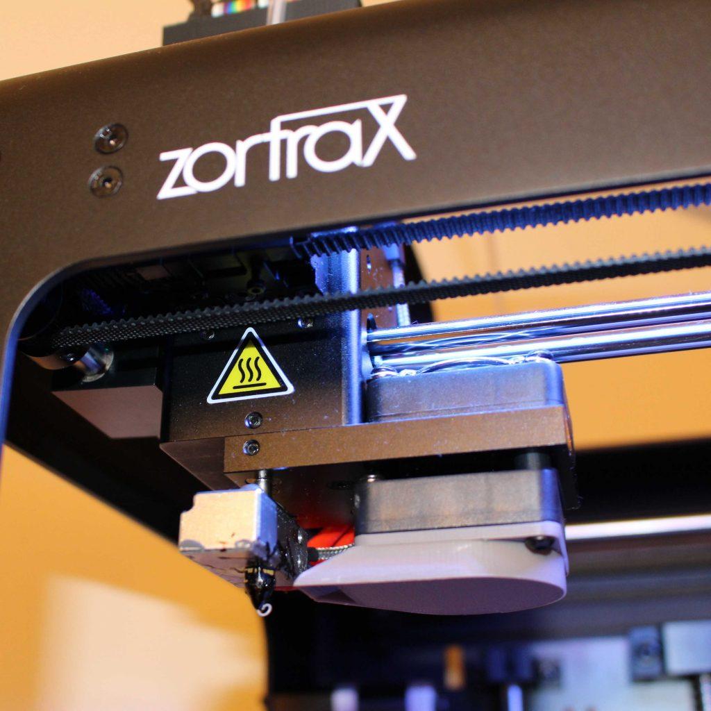 Zoom sur l'extrudeur de la Zortrax M200