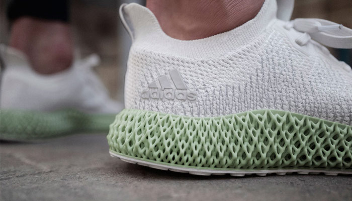 Adidas Alphaedge 4D, a sneaker mixed between tradition and