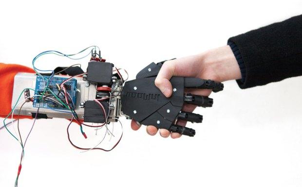 La prothèse myoélectrique imaginée par Nicolas Huchet