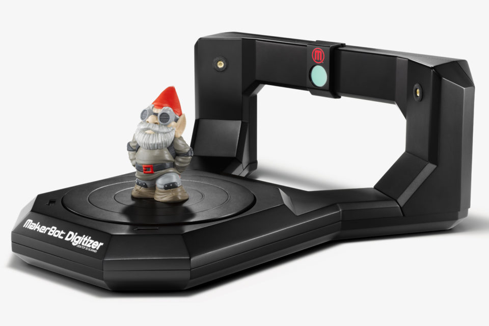 le scanner 3d makerbot digitizer arrive chez top office 3dnatives. Black Bedroom Furniture Sets. Home Design Ideas