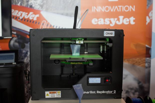 easyJet teste actuellement l'impression 3D de certaines pièces de ses avions