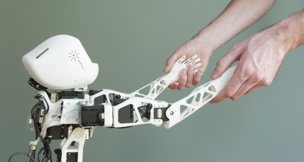 La Mini Maker-Faire Grenoble, l'occasion de découvrir le robot Poppy développé par l'INRIA