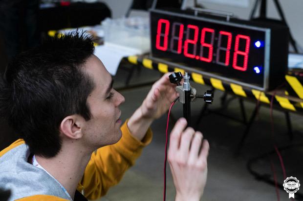 Experimentboy réalisera un show sur les explosions lors de la Maker Faire