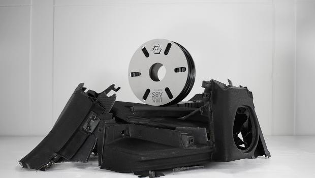 Le Dashboard black ABS est un filament issu à 100% de tableaux de bord de voitures