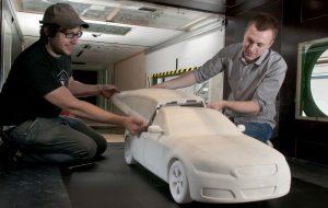 Les équipes de BMW testent en soufflerie une maquette imprimée en 3D