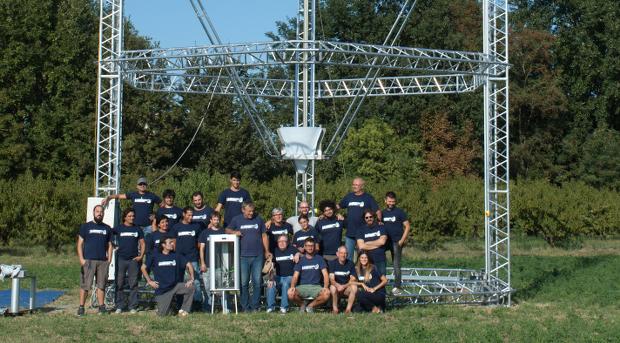 L'équipe de WASP devant l'imprimante 3D BigDelta en septembre dernier