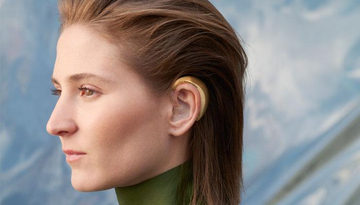 h (earring)