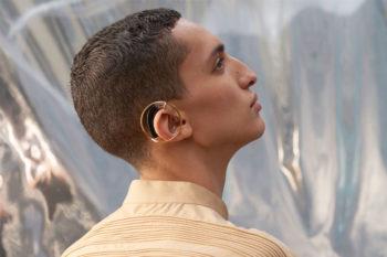 H(Earring), des bijoux de prothèses auditives imprimés en 3D