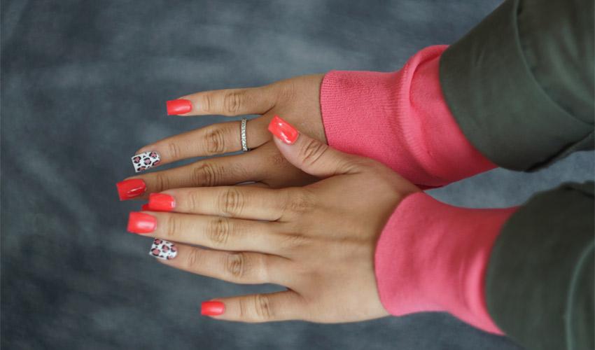 Des Ongles Imprimés En 3d Sur Mesure Futur De La Manucure
