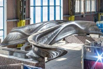 Le pont en acier imprimé en 3D de MX3D enfin prêt?